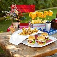 Piknik i przyjęcie w ogrodzie